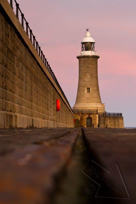 Tynemouth Lighthouse 2 colour