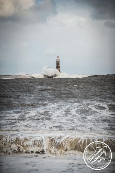 Winter Waves at Seaburn