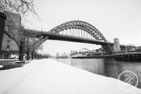 photo of tyne bridge in snow